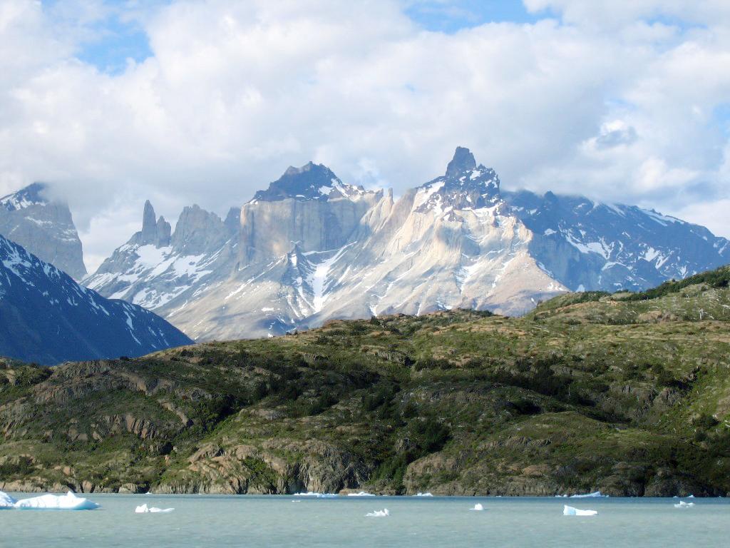 Chile - Seen, Gletscher und Vulkane